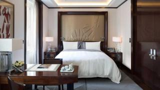 Ppr-deluxe-room-bedroom-1-1074