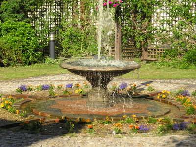 Jul_1113_2005_europa_hotel_near_lgw